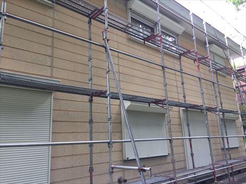 諏訪郡原村の別荘の塗装工事が始まりました。まずはシーリング打替です