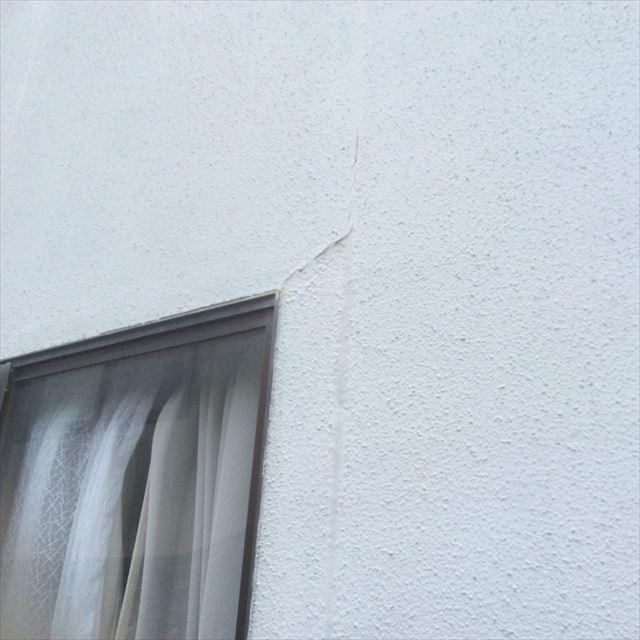 外壁劣化 ヒビ