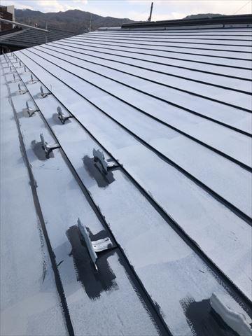 ガルバリウム鋼板屋根シリコン塗装