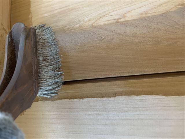外壁木部塗装施工中
